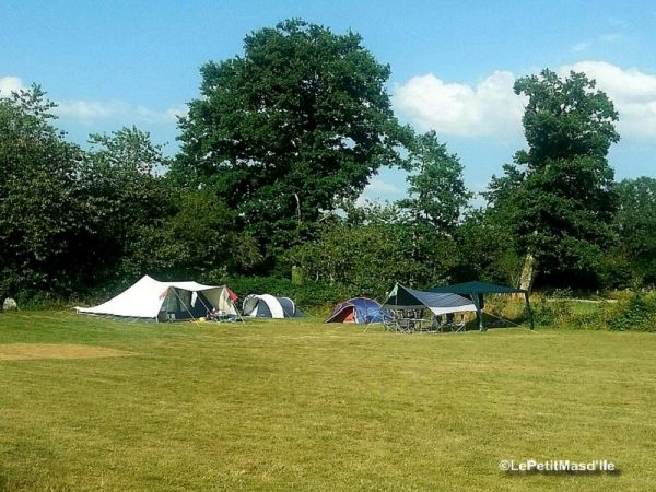 Camping Le Petit Mas d'Ile