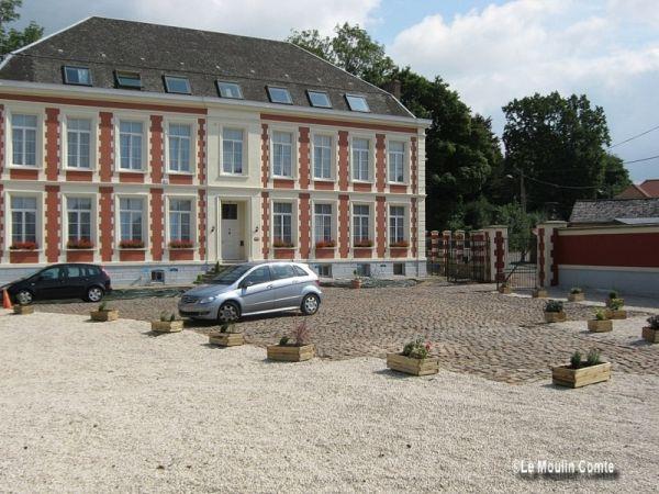 Château De Moulin Le Comte